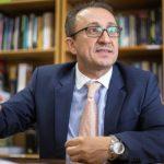 PGR pede aposentadoria compulsória para Rogério Favreto. Você acha justo?