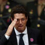 "Ministro Ricardo Salles dispara: ""Entre Amoedo e Bolsonaro, fico com Bolsonaro""."