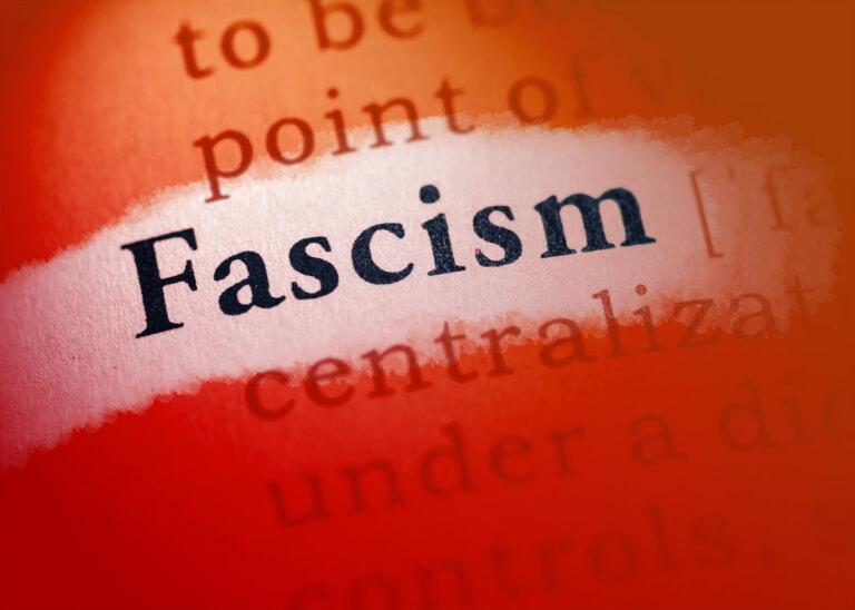 O pensamento fascista encontra seus mais ferrenhos representantes no meio acadêmico, e quem domina a academia?