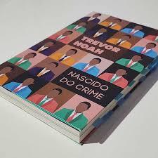 Nascido do crime é um relato bem – humorado sobre a sua infância e vida na África do Sul nos anos finais do Apartheid