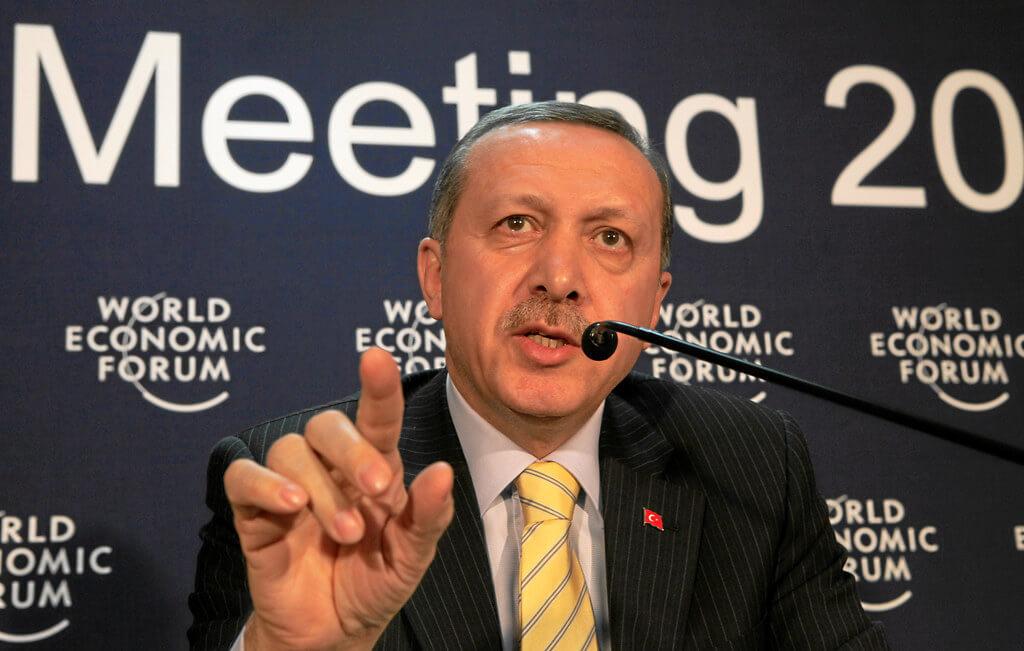 Turquia pressiona França em favor do islã