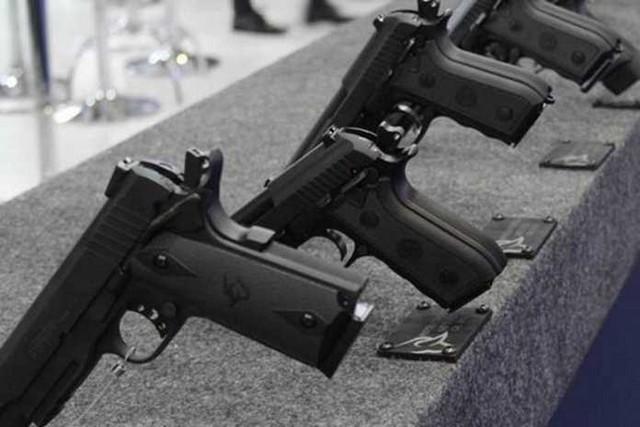 Bolsonaro publica novos decretos de armas que flexibilizam regras