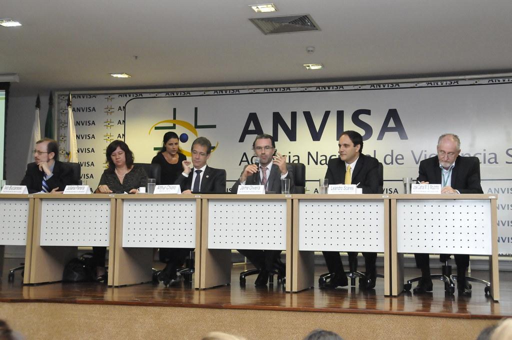 Governadores politizam decisões da Anvisa - Nunca foi pela saúde!