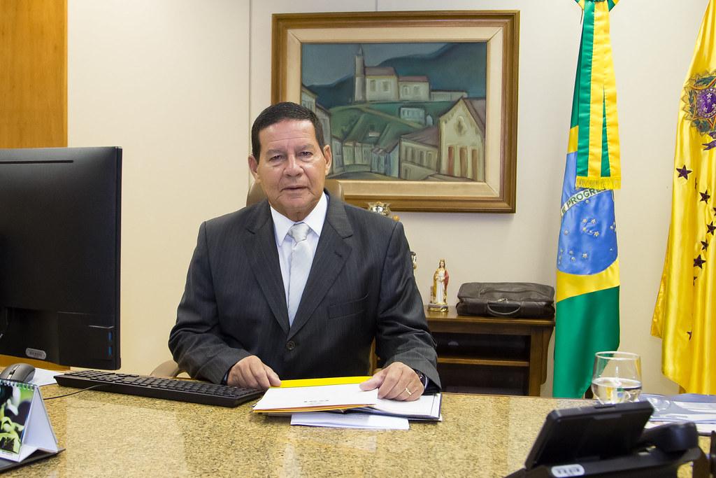 Vice-presidente Mourão reuniu-se com PCdoB