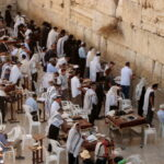 Israel é alvo de foguetes do Hamas após confrontos em Jerusalém
